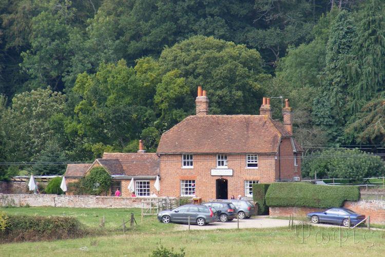 Wessex wanderings hermitage frilsham and bucklebury Middletons house bucklebury