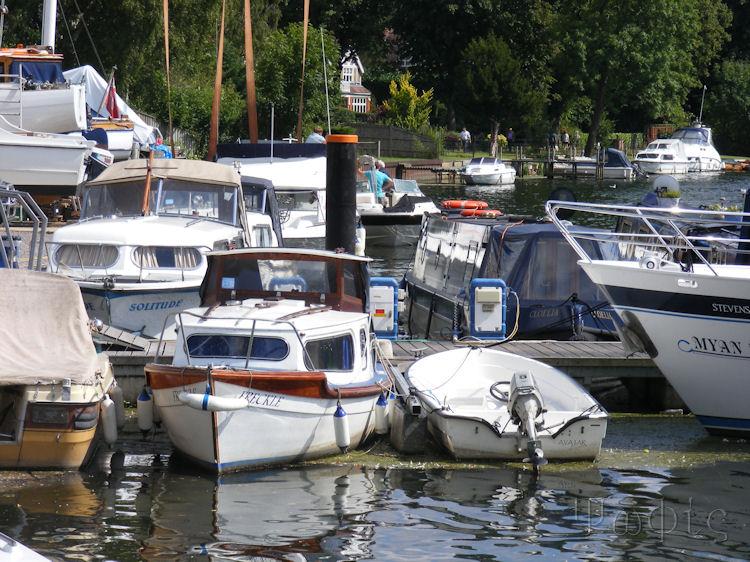 Bourne End,boats,thames