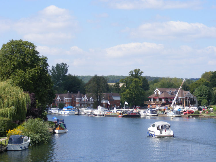 Bourne End,marina,thames
