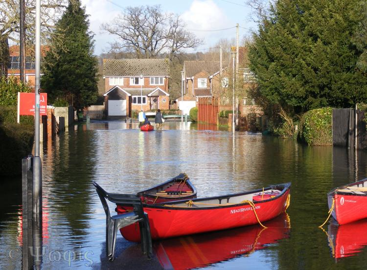 flood,Purley,boat