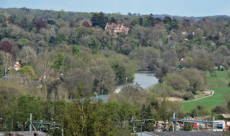 river thames caversham