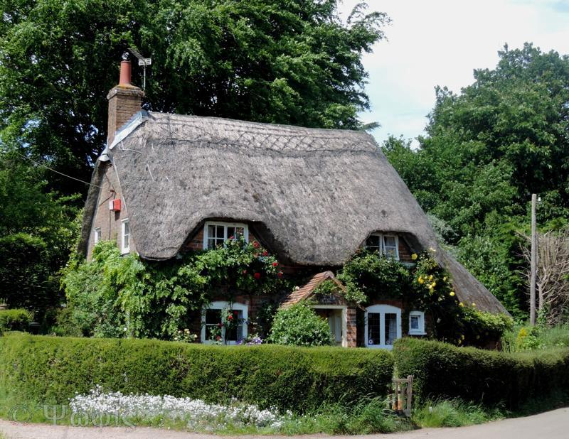 Chaddleworth thatched cottage
